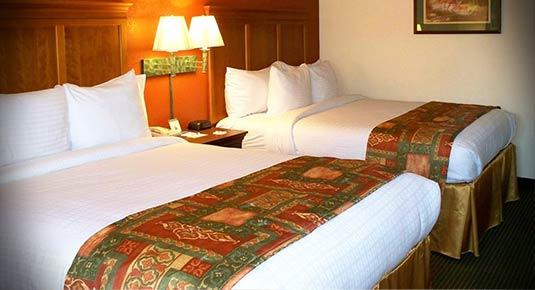 Two Queen Beds - hotel in Sonora CA