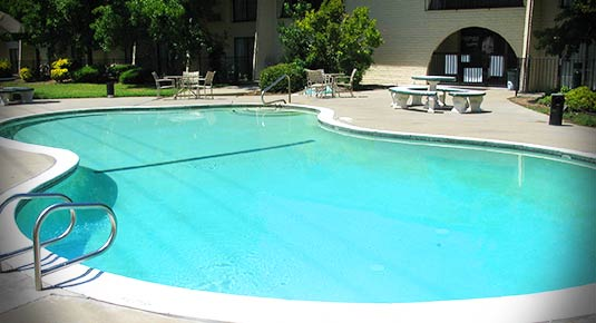 Outdoor Pool in Roseville CA hotel